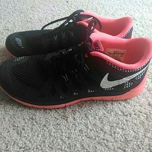 Women Nike free 5.0 shoes